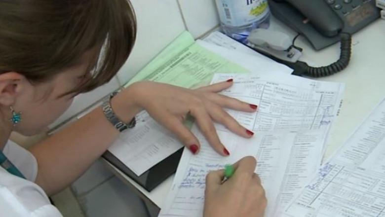 asistenta spital completeaza formular 1