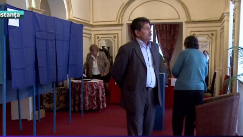 sectie votare interior-1