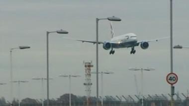 avion la aterizare