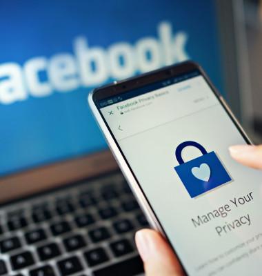 Date personale Facebook