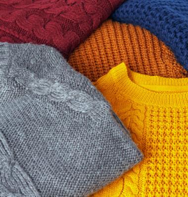 pulovere in mai multe culori