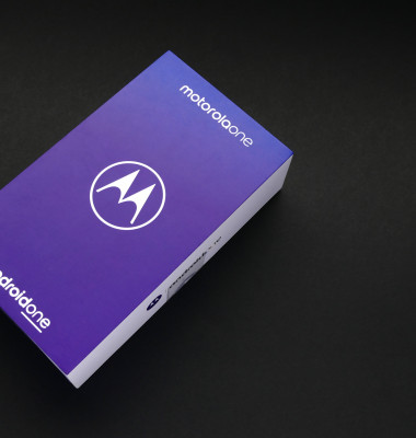 Motorola ONE, unboxing of new model of Motorola smarphone operating on Android ONE system