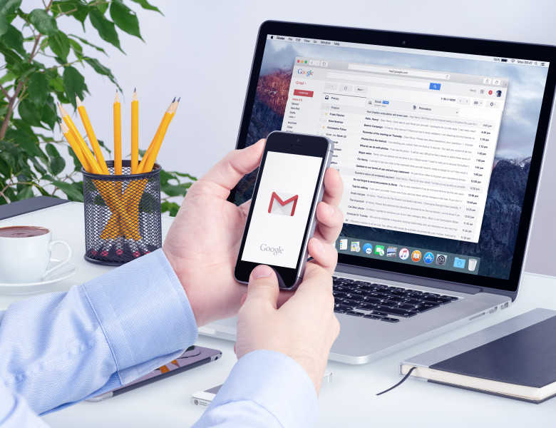 gmail laptop si telefon
