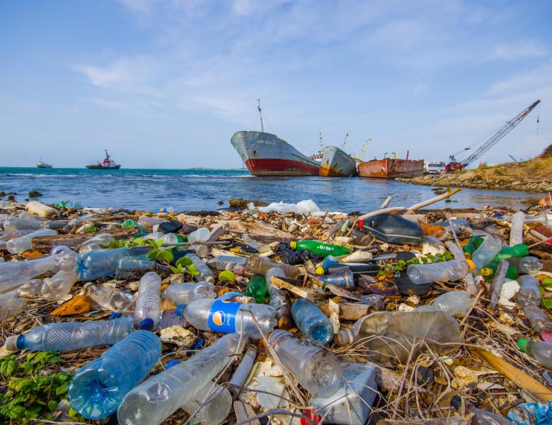 poluare plastic
