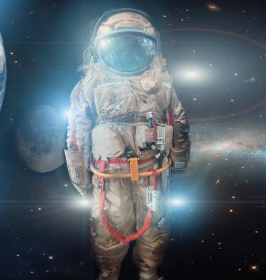 costum astronaut