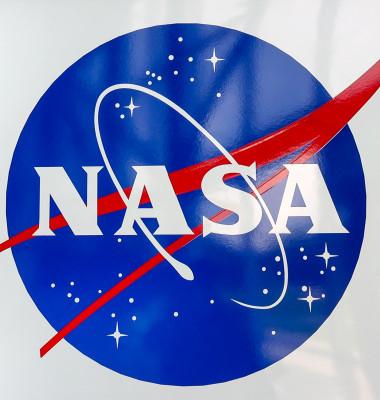 emblema NASA perete