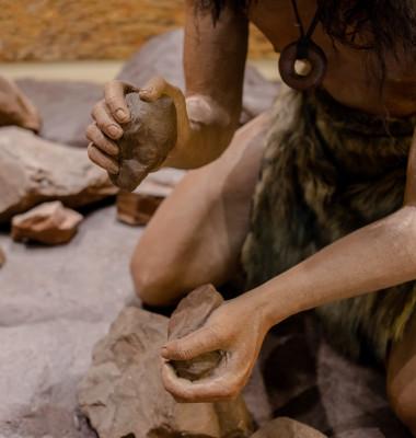 neandethal om preistoric unelte
