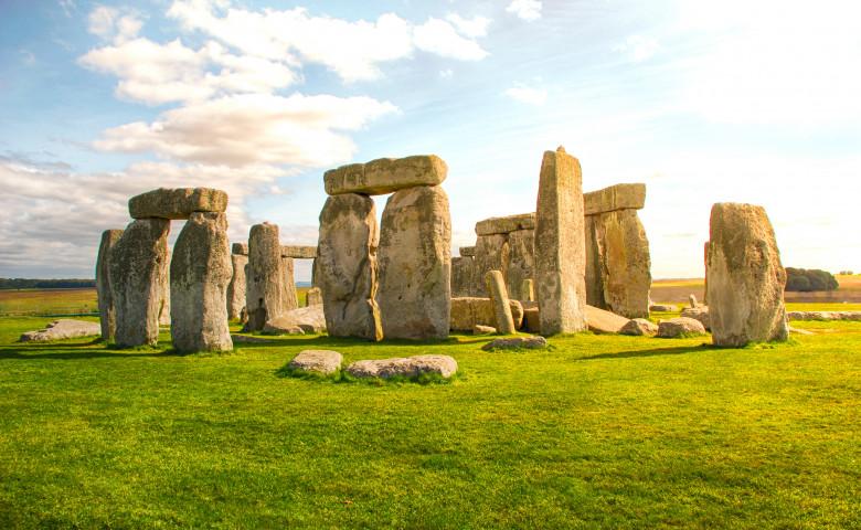 monumentul stonehenge din marea britanie