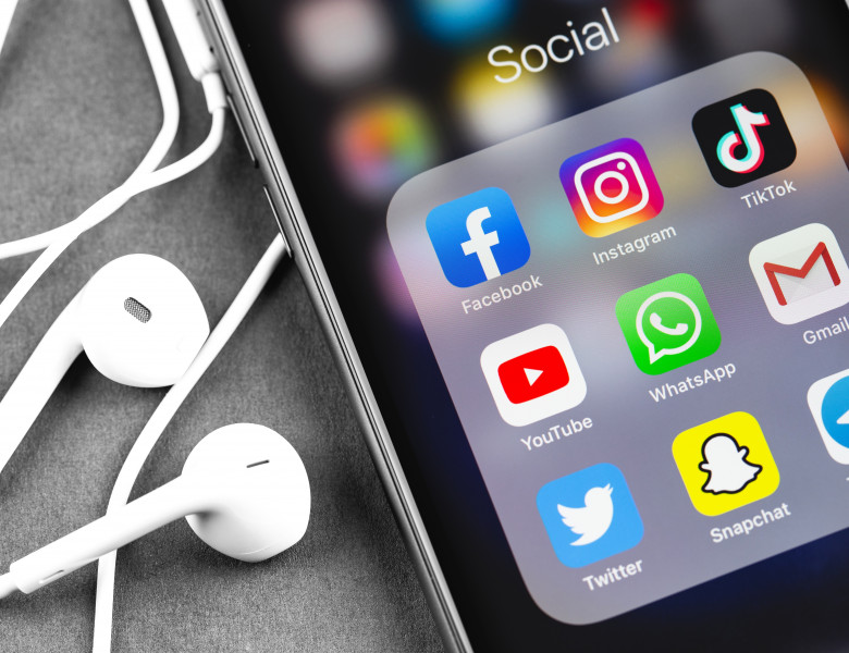 aplicatii pe care trebuie sa le dezinstalam din telefon