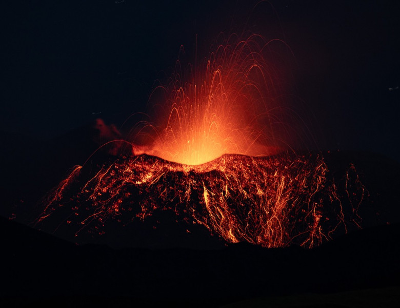"""Activity Of The """"Saddle Cone"""" Of The New Southeast Crater Of Mount Etna"""