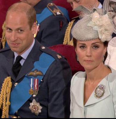 Prințul William râde
