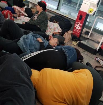 Pasageri dormind în aeroportul Stansted