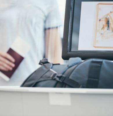 Bagaje scanate în aeroport