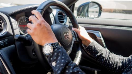 Mașină cu volan pe dreapta