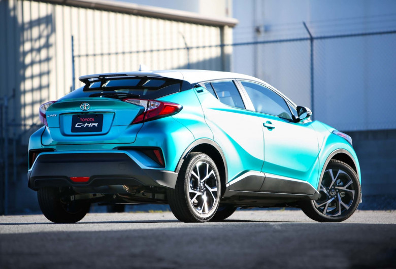 2018-Toyota-C-HR-rear-three-quarters-03