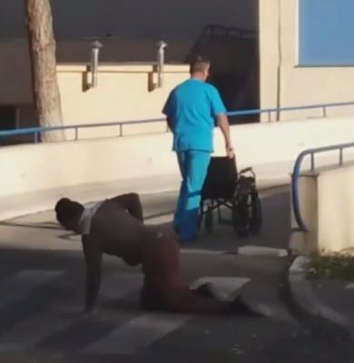 Pacientul se târăște