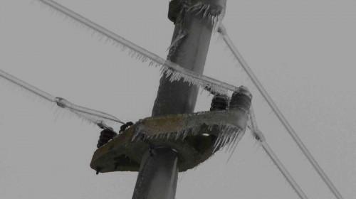 Cabluri de curent electric înghețate