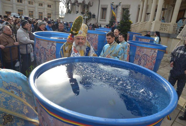 Patriarh, Bobotează, apă sfințită, aghiasmă
