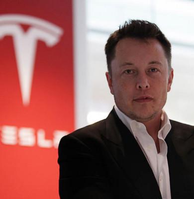 Elon Musk a devenit luni al patrulea miliardar al lumii și se apropie de Mark Zuckerberg
