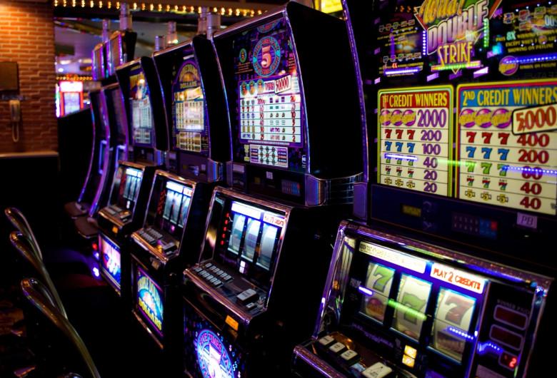 Jocuri mecanice, păcănele, jocuri de noroc