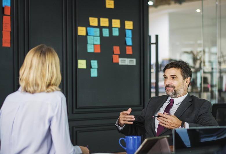 Discuții de angajare, recrutare, corporatiști, birou, muncă