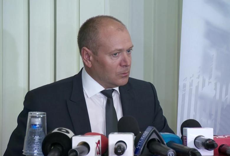 Felix Bănilă, întrebător