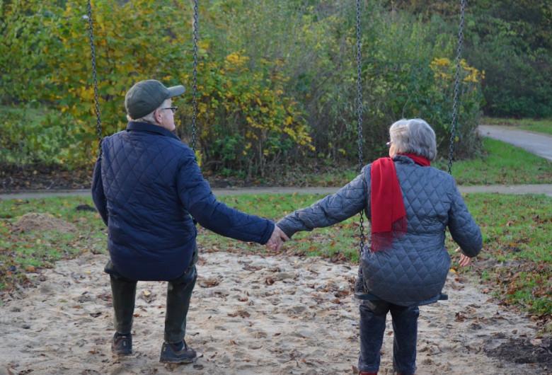 Bătrâni, persoane în vârstă, speranță de viață, moș, babă