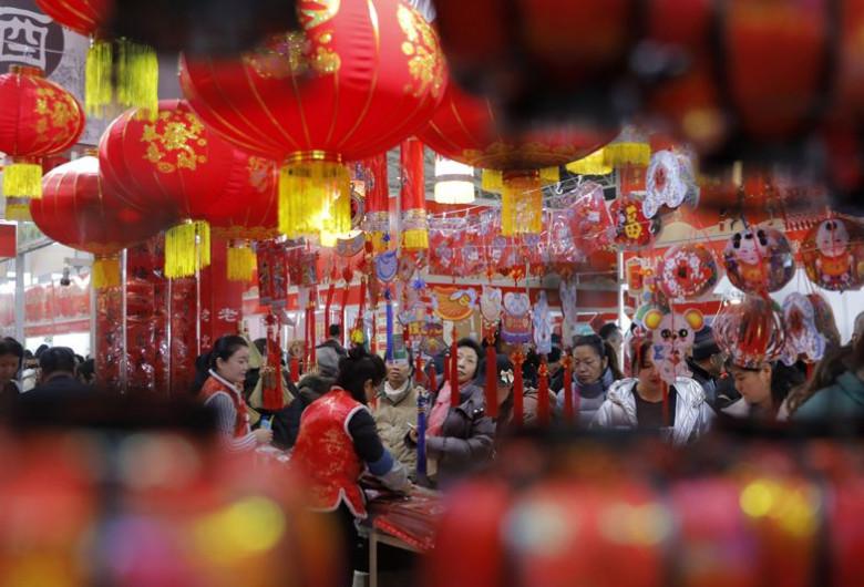 Chinezi în magazin, festivități, Anul Nou chinezesc