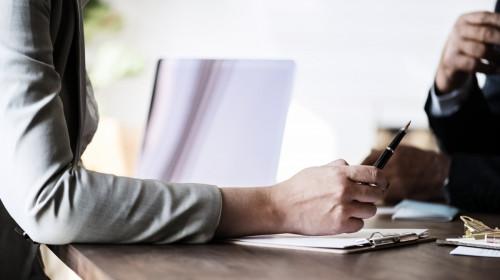 Negocieri, muncă, angajați, angajator, contract, semnare