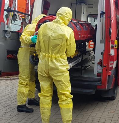 Pacientă suspectă de coronavirus, scoasă din ambulanță