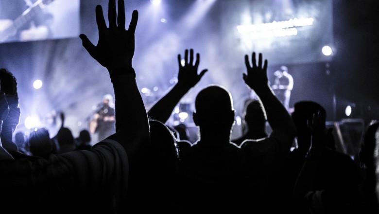 Spectacol, concert, public, scenă, cântăreți, muzică, festival