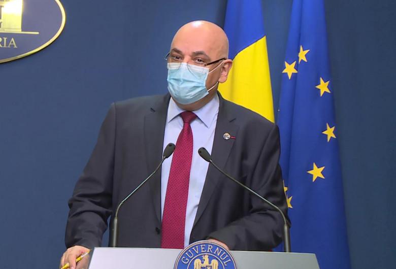 Raed Arafat, la Guvern cu mască