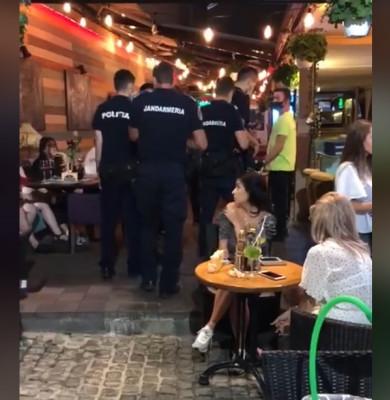 Polițiști și jandarmi în Centrul Vechi, controale, verificări, baruri, cluburi, terase de vară