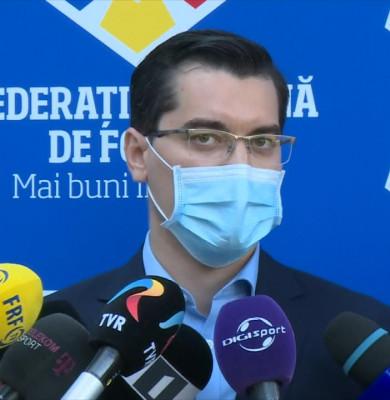Răzvan Burleanu, la FRF, cu mască