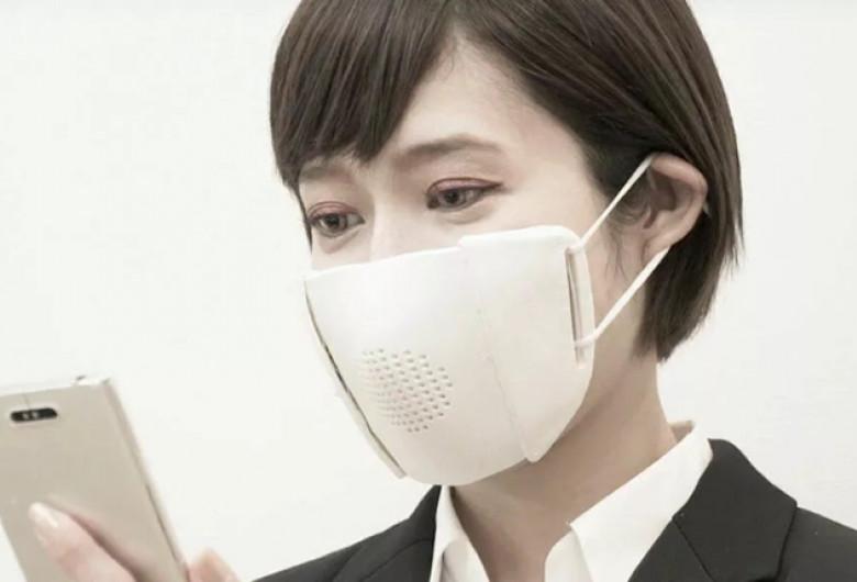 Mască facială inteligentă care traduce în 8 limbi