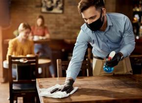 Restaurante în vremea COVID-19, dezinfectare, HoReCa, masă, cină, mâncare, ospătar