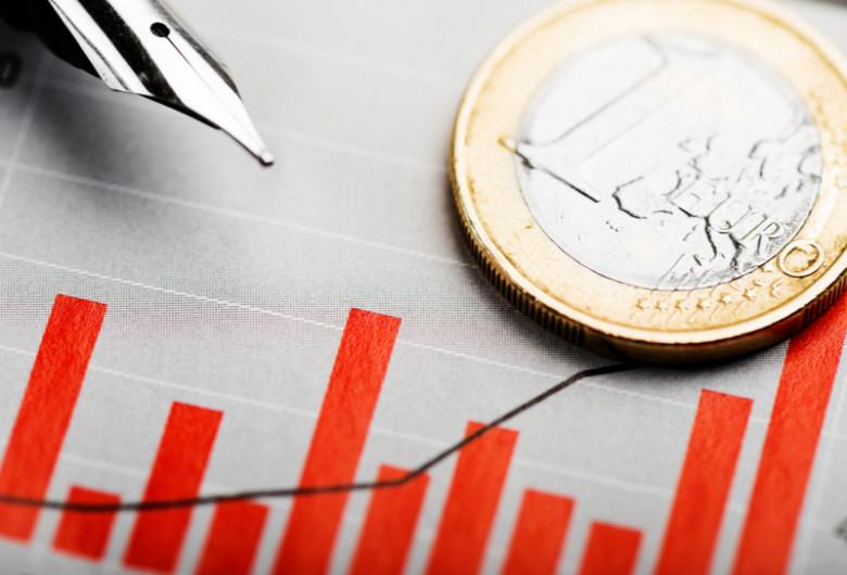 Euro, moneda unică europeană, creștere, valută, curs de schimb