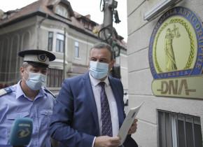Bogdan Enescu la DNA cu mască