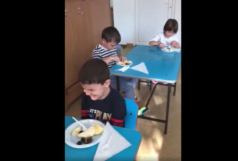 educatoare copil batut