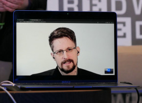 Paul Lewis and Edward Snowden At The Wired Next Fest 2019