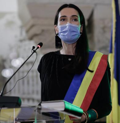 """Clotilde Armand a depus jurământul. Primarul Sectorului 1 are 3 principii: """"Stop pilelor, stop corupției, stop birocrației"""""""