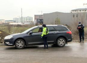 Razie, control de carantină, restricții de circulație, verificări cu Poliție, șoferi, mașină, auto, coronavirus, rată de infectare