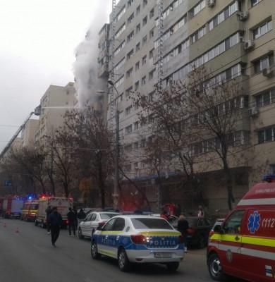 Incendiu la un bloc de pe Șoseaua Colentina