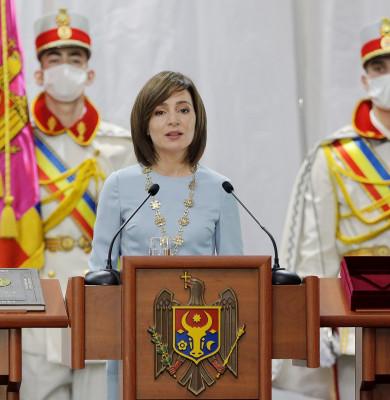 Maia Sandu, învestită în funcția de președinte