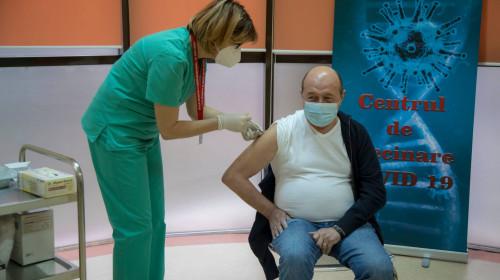 Traian Băsescu, vaccinat anti-COVID-19