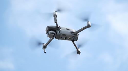 Dronă pentru măsurarea calității aerului, mediu, poluare