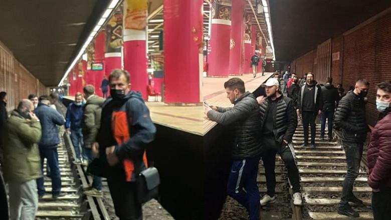 Grevă la metrou, Metrorex, protestatari pe șine în subteran, la Piața Unirii 1