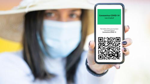Certificat sau atestat de vaccinare Green Digital Pass de COVID-19 pentru călătorii, turism