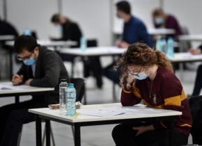 Examene, teste COVID-19, mască, coronavirus, studenți, sesiune, universitate, facultate