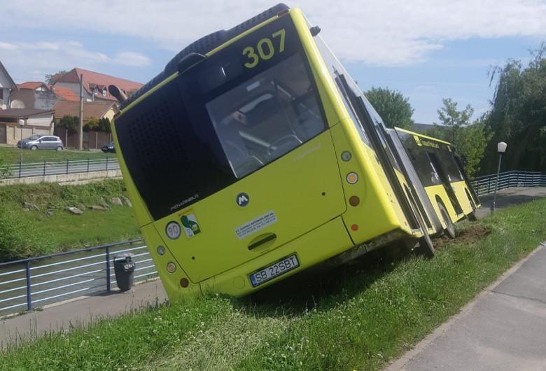 Autobuz derapat în Sibiu